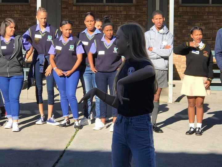 A fabulous conference organised by the Rotary Club of George and York High Interact Club took place at York High. 135 delegates from 11 Interact clubs from Swellendam, Mossel Bay, Dysselsdorp, Knysna and George took part in a fun day with a varied programme of events. Highlights were two motivational speakers, presentations by all the Interact clubs present, a workshop to brainstorm ideas and teas and lunch made by the Rotarians.